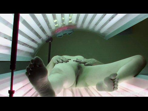 Pasarica Se Filmeaza Cand Se Masturbeaza In Solar