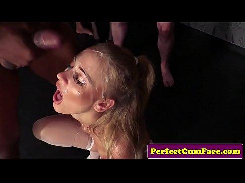 Sex In Grup Cu Mai Multi Tipi Cu Pulile Super Lungi
