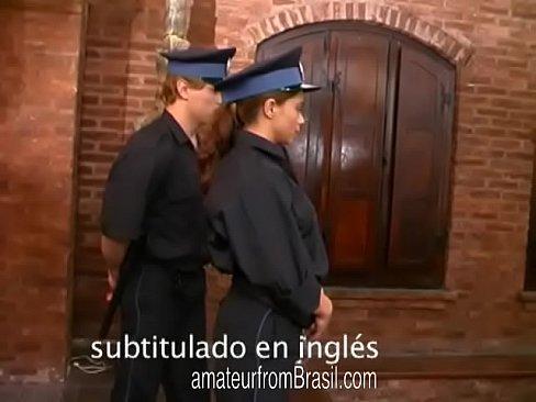 Fute Doua Brazilience Mici In Grup Si Se Mira Si Ele De Cat De Bine Se Simt
