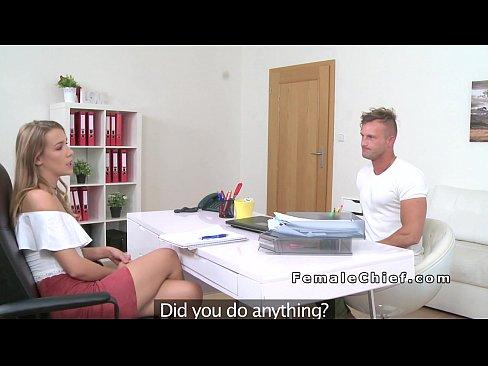 Fata Care Gaseste Baieti Pentru Porno Il Pune Pe Unul Sa O Linga In Cur