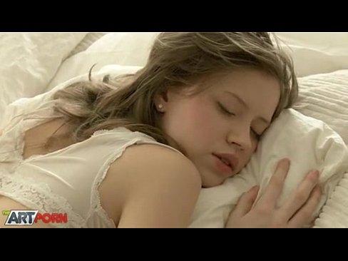 Trezita Din Somn Sa-I Suga Pula Baiatului Care A Imbatat-O Aseara