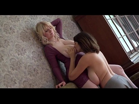 Lesbiana Cu Sanii Mari Se Lasa Atinsa De Colega De Camera