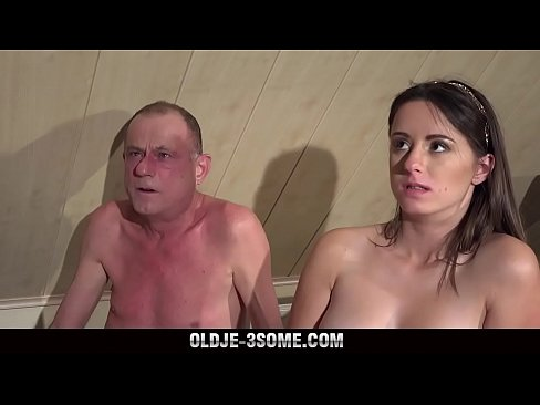 Porno Frumos In Cort Cand Pelaca Cu Profesorul Ei Preferat Intr-O Tabara Cu Clasa