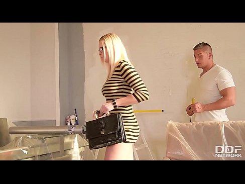Filme Porno Online Gratis Cu O Blonda Slaba Care Se Fute In Cur