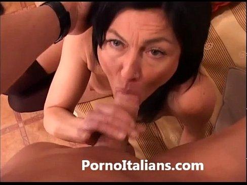 Porno Cu O Matura Romanca Care Si-O Arde Cu Un Italian