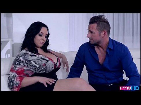 Bruneta Xxx Porno Face Show Cu Baiatul De La Pizza