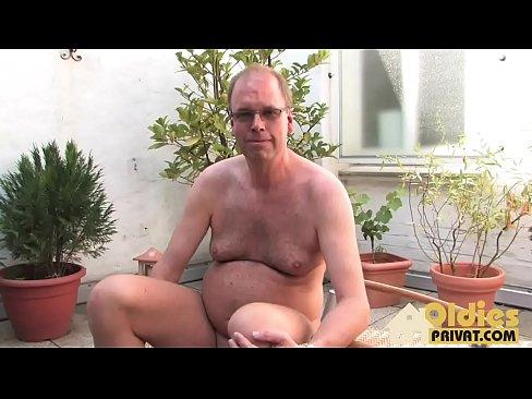 Germanca Fututa In Cur De Un Barbat Modest Si Urat