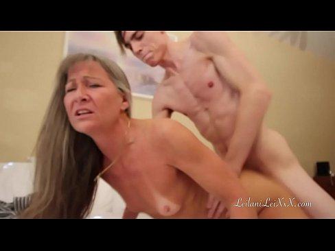 Babuta Santajata De Propriul Nepot Sa Faca Sex Porno Cu El