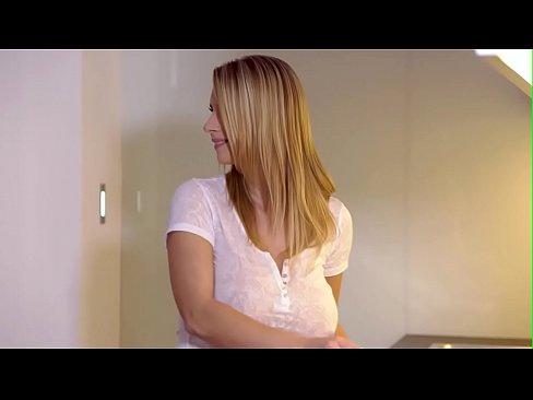 Blonda Excitata Latina Il Face Pe Unul Sa-L Doara Pula