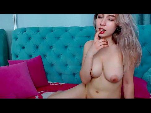Curva Buna De Pula Se Lasa Penetrata La Webcam