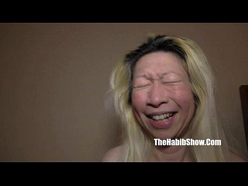 Blonda Fututa De Barbati Care Au Pulile Injectate Si Groase