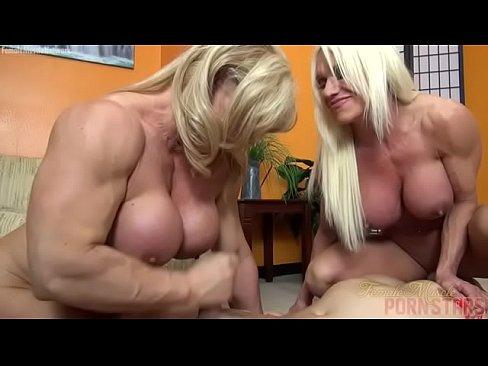 Doua Femei Cu Muschi Ii Fac Mare Muie Unui Slabanog