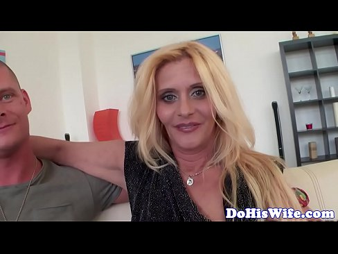 Blonda Si-O Trage Cu Iubitul Ei Care O Fute Bine