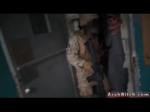 Terorist Prinde O Musulmanca Si O Fute La El Cu Toti Soldatii