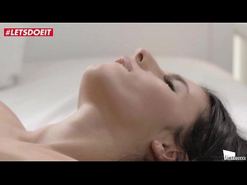 Nely Kent Face Sex Cu Un Strain A Uitat De Pula La Romani