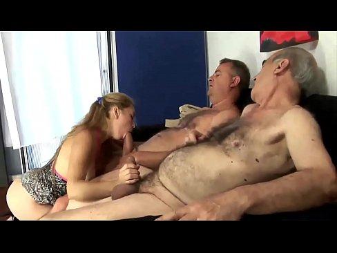 Fiu Si Tata Isi Permit Sa O Futa Pe Vecina Lor Cea Sexy